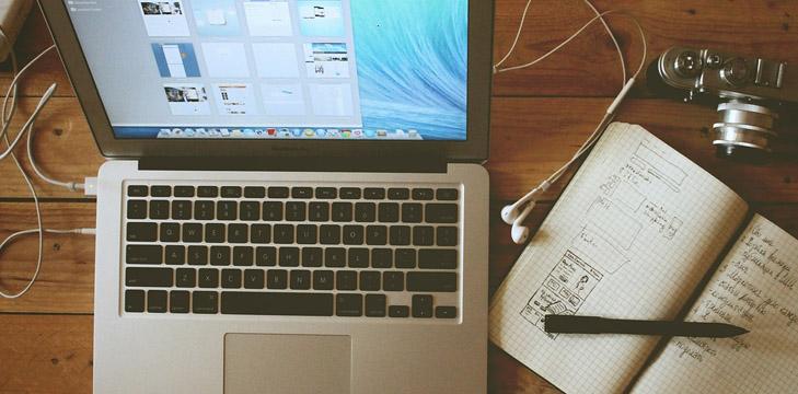 Computer, carta e penna
