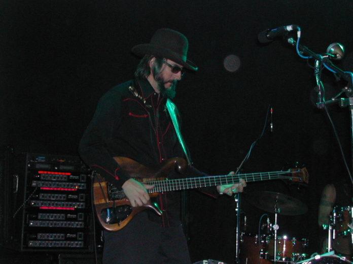 Les Claypool nel 2005